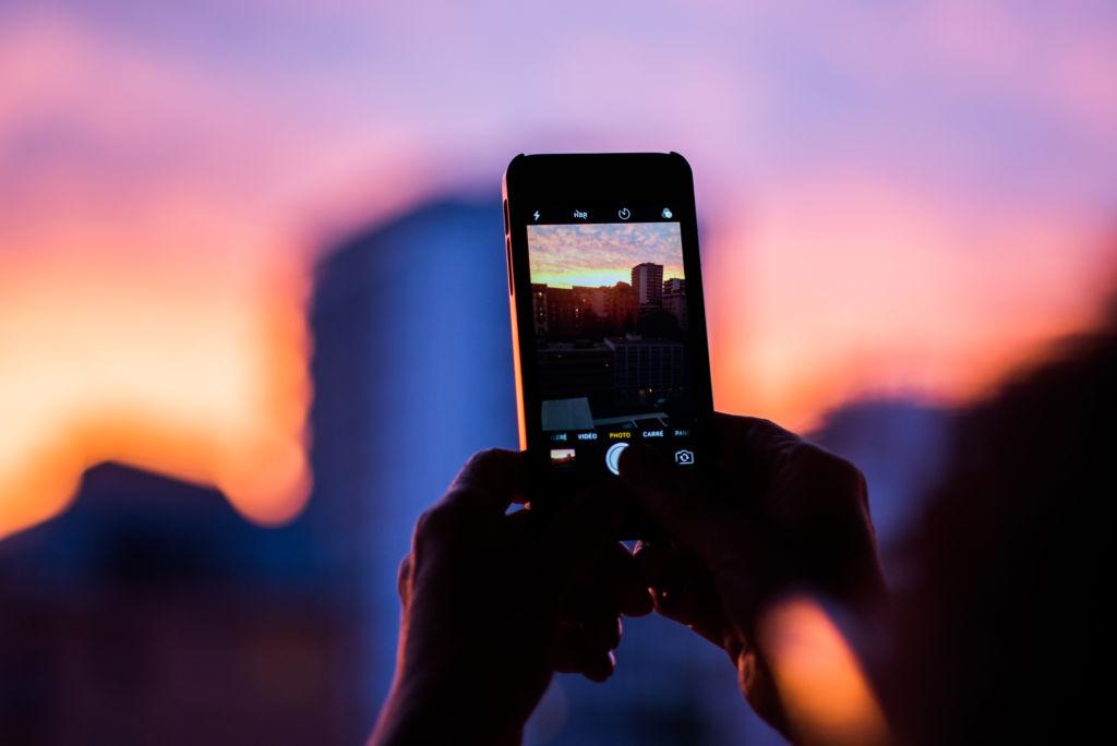 【iPhone】2つの動画カメラアプリ。log撮影も可能!