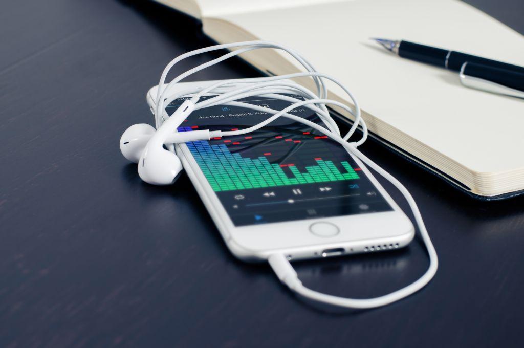 【動画に使う】アプリ「GarageBand」を使った音楽作り
