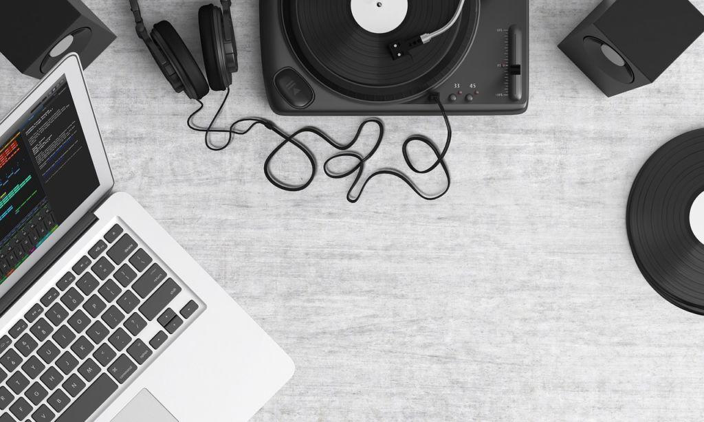 【動画の音楽】無料配布サイトを見つけよう。